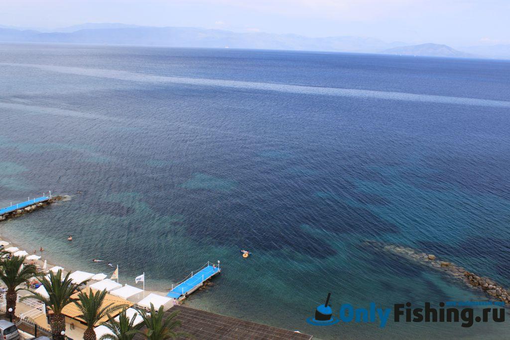 Рыбалка в Греции, на острове Корфу. С берега.